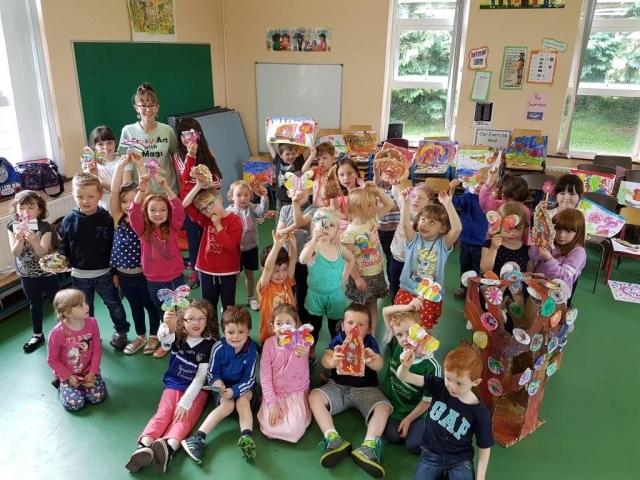 art for kids, summer camp, art classes, happy kids, art activities, 3D butterfly, fairy, fairy door, fairy tree, fairy garden, crazy art